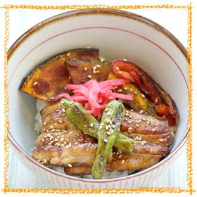 サンマと野菜の蒲焼丼